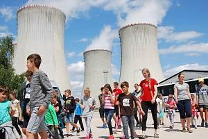 Pro děti je na příměstském táboře v elektrárně připraven pestrý program.