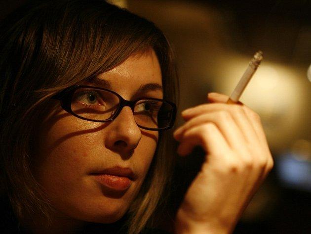 Drtivá většina restauratérů na Vysočině svým hostům povoluje kouřit.
