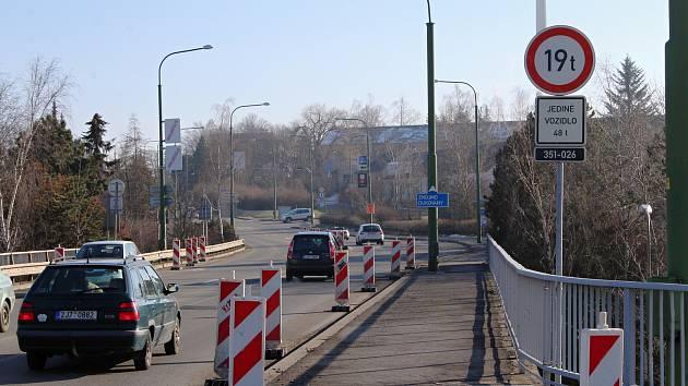 Na špatný most v Třebíči nečekaně mohou mnohem těžší auta