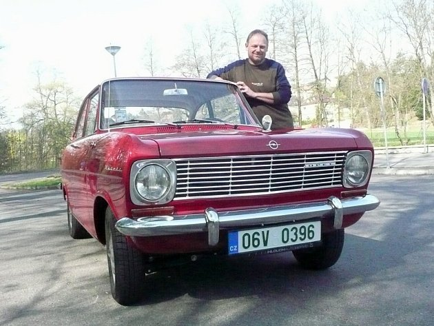 Opel Kadett A Coupe 1965. Mirek Nováček vůz před léty objevil vsousedním Rakousku.