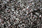 Do dvou let se Pozďátky stanou jistě víc než zajímavým místem pro život. Přesně do 16. dubna 2012 zmizí z povrchu zemského jedovatá halda odpadů, patrně největší polistopadový problém svého druhu u nás.
