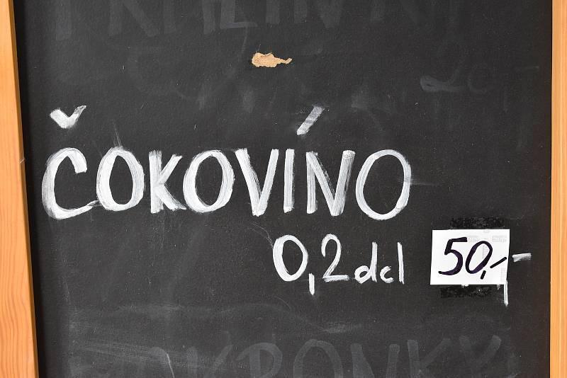 Tomáš Lampíř otevřel čokoládovnu v Třebíči. Sídlí na Žerotínově náměstí.