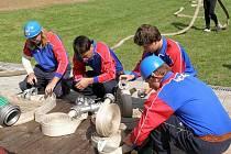 Račerovičtí hasiči vozí poháry ze soutěží již řadu let. Přesto, že nemají celá léta kde cvičit, protože v obci není žádné hasičské ani fotbalové hřiště, bývají úspěšní.