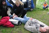 Celkem 11 školních družstev se muselo vypořádat například se simulovanou dopravní nehodou, pádem z prolézačky nebo následky popálení.