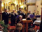 Nejčastěji Lesanka vystupuje při hodech a poutích, posluchači ji ale znají i ve formaci žesťového kvinteta. Hudebníci se kromě různých koutů republiky podívali i za hranice, třeba do přímořských oblastí Francie.