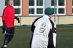 Zajímavou fotbalovou podívanou nabídl zápas mezi Šebkovicemi (v bílém) a Hartvíkovicemi (na snímku), ve které se oba týmy přetahovaly o výsledek.