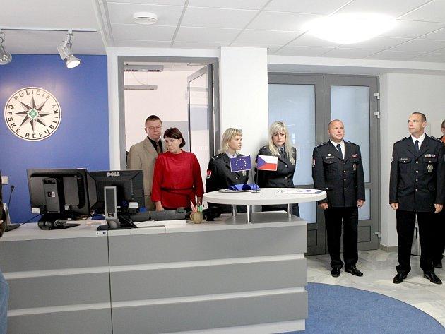 Nové kontaktní a koordinační centrum otevřeli včera dopoledne policisté v budově Územního odboru PČR Třebíč.