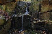 Malý vodopád na potůčku Cihelna.