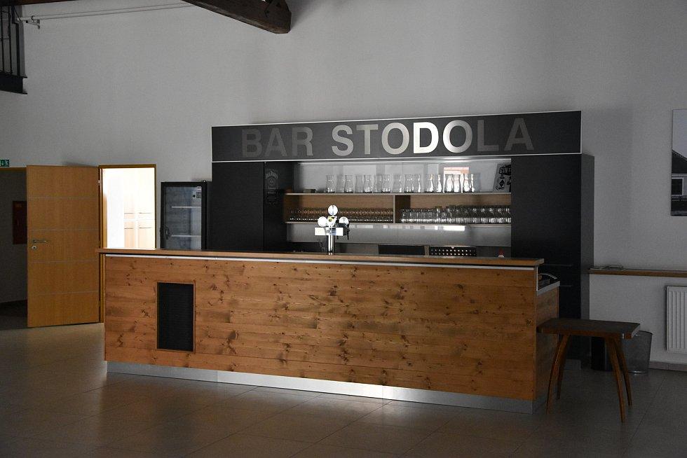 Nedaleko radnice mají zvláštní Galerii, jmenuje se Stodola a funguje jako kulturní dům, městys zde pořádá kulturní akce