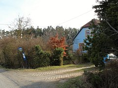 Na Ostrých, místo, kde se v hájence ukrývali výsadkáři ze skupiny Spelter.