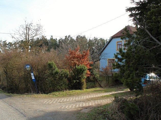 Na Ostrých, místo, kde se vhájence ukrývali výsadkáři ze skupiny Spelter.