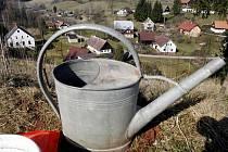 Voda kvůli opravám potrubí občas nepoteče. Lidé budou muset k cisternám.