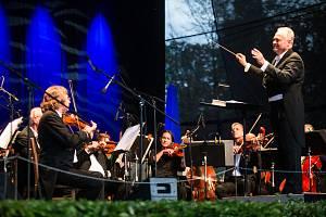 Mezinárodní hudební festival Petra Dvorského.
