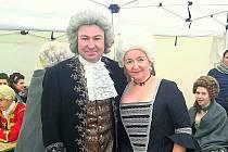 Do komparzu historické minisérie Marie Terezie se přihlásili i Radovan a Irena Kaňovští. Podařilo se, a ve filmu si zahráli šlechtický pár.