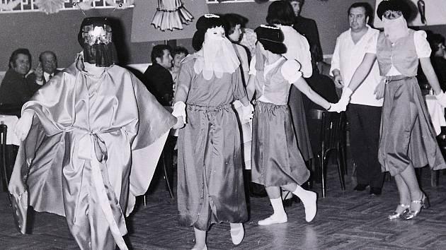 Jak jsme žili v Československu. V pátek představíme šibřinky 1980