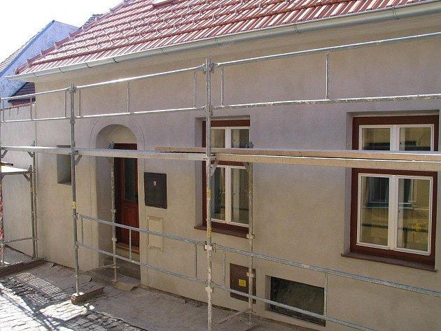 Dům v Blahoslavově ulici, číslo popisné 76, postavil kdysi židovský občan Aron Löbl.