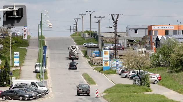 Řidiče budou v Třebíči řídit nové semafory. Usnadní dopravu