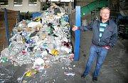 Ještě před koncertní šňůrou se Tomáš Klus vydal na Třebíčsko, aby své turné na tamní skládce odpadů stylově odstartoval.