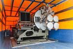 Odmrazovací stroj fouká vzduch o maximální teplotě šedesát stupňů Celsia.