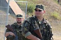 Do mezinárodního cvičení Ample Strike 2016, kterého se u Náměště zúčastňuje 16 armád z velké části světa, se zapojili i příslušníci českých aktivních záloh.