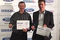 Třebíčští triatlonisté Petr Mejzlík (vlevo) a Tomáš Kříž byli na slavnostním galavečeru v Olomouci vyhlášeni ve svých věkových kategoriích vyhodnocení jako druzí nejlepší.