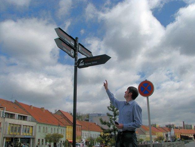 V Třebíči se v těchto dnech začala objevovat nová značení cílů pro turisty.