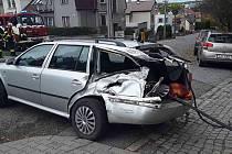 Ke srážce osobního auta s vlakem došlo v Třebíči na přejezdu v Ruské ulici.