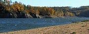 Dalešická přehrada v blízkosti Stropešínského mostu.
