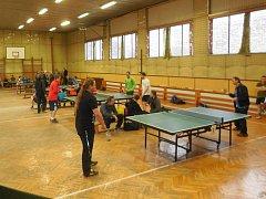 Vánoční turnaj tříčlenných družstev neregistrovaných hráčů ve Vladislavi.