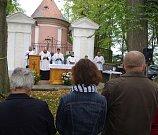 Slavnostní mši svatou celebroval farář Karel Janů.
