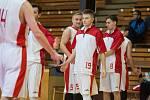 Basketbalisté Třebíče v základní části Jihomoravské ligy vyhráli všechny zápasy. Přesto je to s jejich postupem nahnuté.
