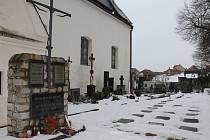 Hroby vojáků, kteří zemřeli za I. světové války v třebíčském lazaretu.