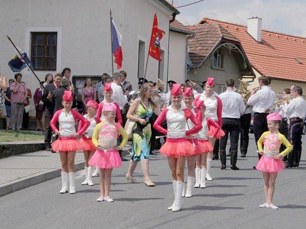 Obyvatelé Valče o víkendu oslavili 720 let své obce.
