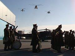 Čtyři vrtulníky a jejich posádky ze základny u Náměště nad Oslavou budou připraveny zasáhnout do zahraničních misí Visegrádu.
