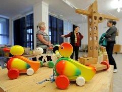 Výstavu plnou hraček z dětství současné dospělé generace, ale třeba i z dětství našich dědečků a babiček přichystali na tyto dny v Jemnici na Třebíčsku.