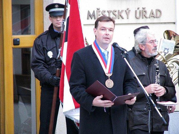 Už po jednadevadesáté si mnozí obyvatelé Třebíčska v předvečer 28. října připomněli výročí vzniku samostatného Československa.