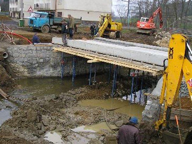 Tři páteřní přivaděče pitné vody do Třebíče čeká letos a příští rok zásadní rekonstrukce.