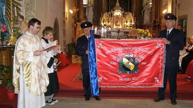 Sbor dobrovolných hasičů z Mohelna v sobotu 13. června přetrhl cílovou pásku 120 let trvání a jeho členové se za těmi uplynulými dekádami mohou ohlížet s hrdostí.
