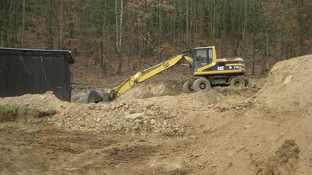 Majitelé pozemku u Dalešické přehrady dělají vše pro to, aby získali dodatečné stavební povolení a nemuseli celé místo uvádět do původního stavu.