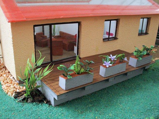 Osmáci ze základní školy T. G. Masaryka v Třebíči vytvořili domy snů. Jejich modely jsou vystaveny na chodbách ve druhém patře školy.