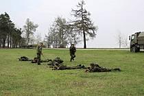 Výcvik aktivních záloh na základně vrtulníkového letectva u Náměště nad Oslavou.
