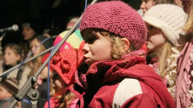 Třebíč zpívá koledy s Deníkem.