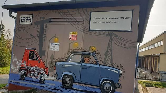 Nově pomalovaná trafostanice ukazuje vývoj elektromobility