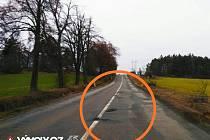 Jedna z fotografií úseku krajské silnice II/360 poblíž Trnavy směrem k náramečské křižovatce. Je z portálu Výmoly.cz, kam řidiči umisťují snímky nejrozbitějších silnic.