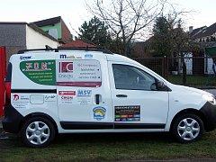 Nový sociální automobil pro Vrátka, na nějž přispěla řada jednotlivců i firem z Třebíčska.