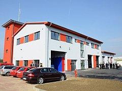 Moravskobudějovičtí hasiči již sídlí v nové zbrojnici.