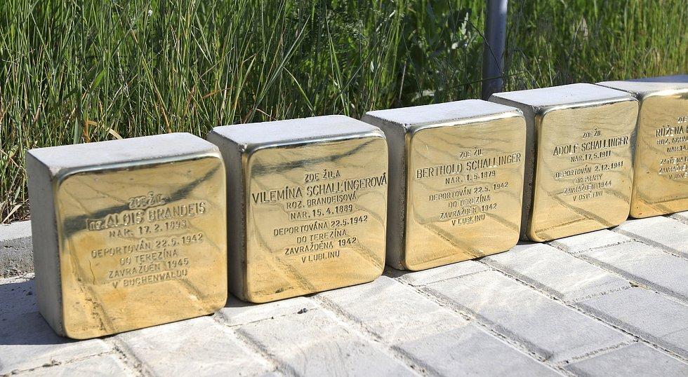 Položení kamenů zmizelých v Jaroměřicích nad Rokytnou.
