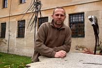 Umělecký kovář Pavel Tasovský.