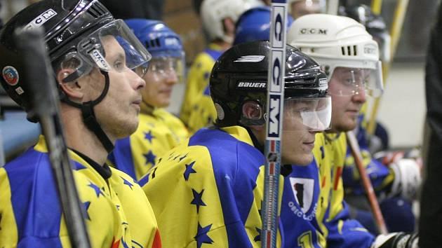 Rozpačitá střídačka. Hokejisté Čechočovic mají nad čím přemýšlet, potřetí v řadě nezvládli úvod zápasu.