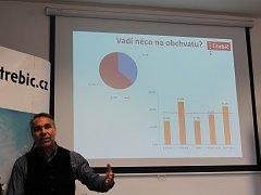 Sociolog Daniel Hanzl z Jihlavy prezentoval čerstvé výsledky průzkumu ohledně dopravy v Třebíči.